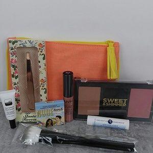 Beauty Bundle with Make Up Bag